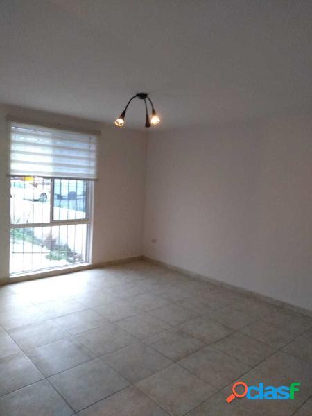 Casa en Renta, Cerrada de Cumbres $10,600 MN Frente a Parque 1