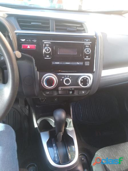 Vendo Honda Fit automatico 2016. 6