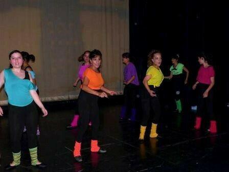 Clases Danza Jóvenes y Adultos, sábados, sur, MEDIA BECA 0