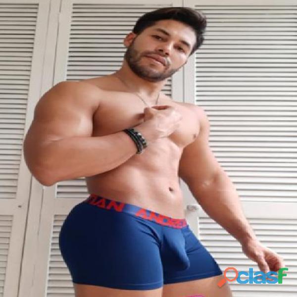 deportista fiestero muy vigoroso y atletico 4