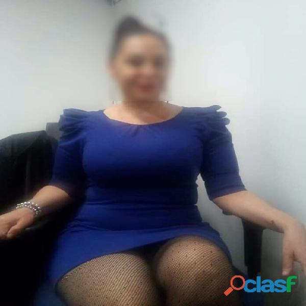 VESTIDA COMO SECRETARIA MUY SEXY. 0