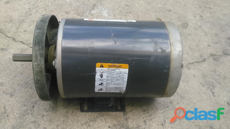 Motor electrico EMERSON 3/4 hp en baja 2