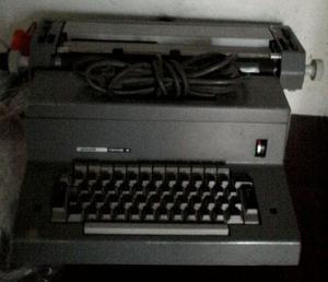 Maquina de escribir electrica olivetti tekne4