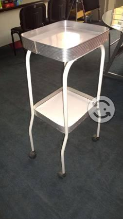 Muebles estetica clasf - Mesa auxiliar estetica ...