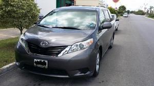Toyota sienna familiar 2011 impecable 8 pasajeros.