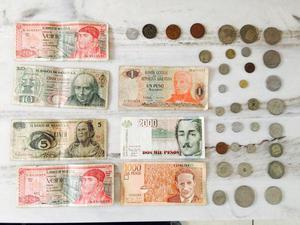 Colección de monedas y billetes