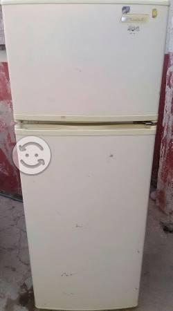 Refrigerador acros 9 pies