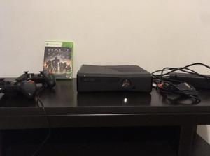 Xbox 360 + 2 controles + 1 juego (excelentes condiciones)