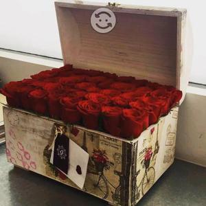Cofre vintage rosas