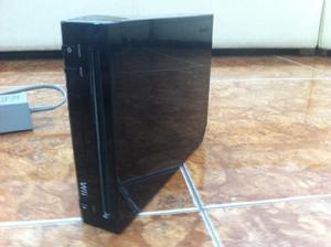 Wii + 2 juegos + 2 controles con funda incluida + usb con 4