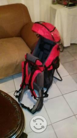 Vendo mochila de montañismo para bebe