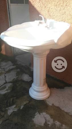 Mezcladora lavabo clasf for Lavabo con pedestal