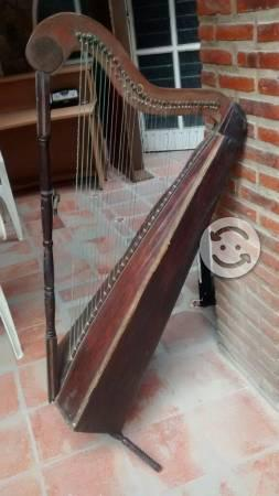 Remato arpa antigua madera para restaurar$1549