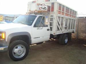 Camioneta chevrolet hd cinco toneladas