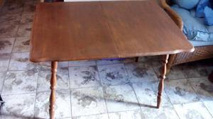Mesa de buena madera muy buena!
