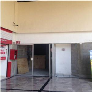 Renta de local en plaza comercial en a. obregón