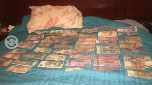 Colección de 52 billetes antiguos y del mundo