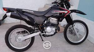 Motocicleta honda tornado 250cc como nueva