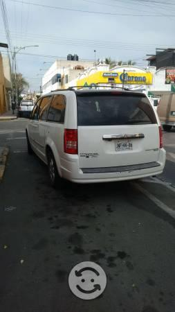 Minivan chrysler town and country blanca