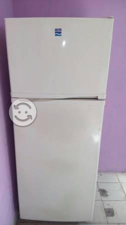 Refrigerador iem exelentes condiciones