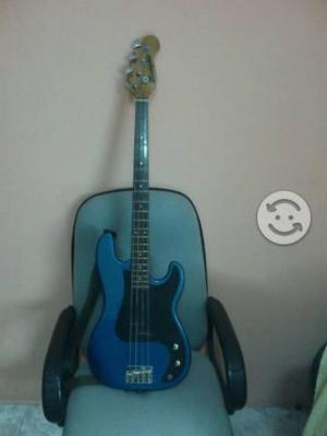 Amplificador y guitarra para bajo