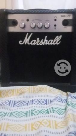 Amplificador para guitarra Marshall MG 10
