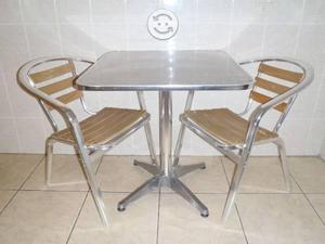 Mesa y sillas retro de aluminio