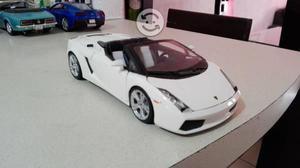 Preciosa mini colección autos a escala