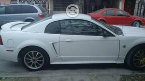 Mustang bien conservado