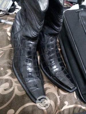 Ropa de hombre y botas