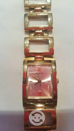 d551c5b1fda7 Reloj dorado guess original   ANUNCIOS Junio