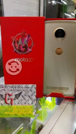 Moto z 2 play dorado nuevo libre