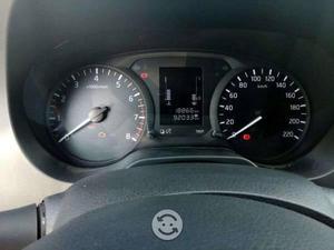 Nissan np 300 casi nueva
