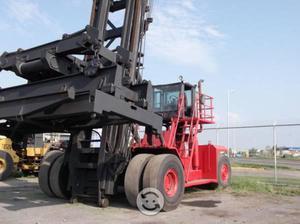 Monta cargas marca teylor modelo 500 95000 lbs