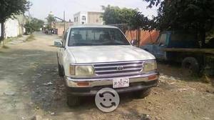 Toyota t 100 version del lujo cambio o vendo