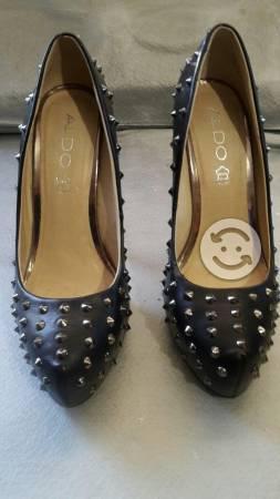 Zapatos de tacon.marca aldo