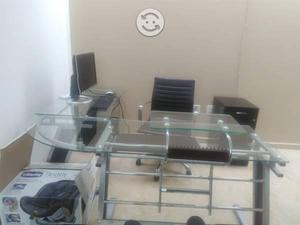 escritorio con 3 sillas incluidas