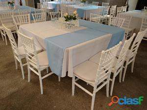 Mesas con sillas en renta