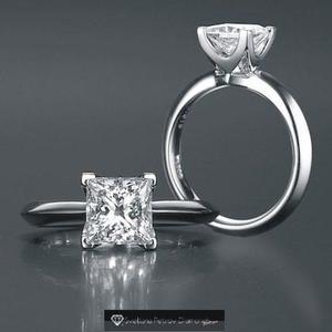 Anillo con diamante cultivado corte princess 150 pts -50%