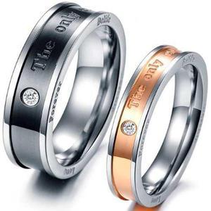 b63bbe7570d1 Anillo para parejas love amor grabado titanio zirconias