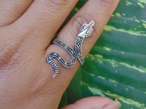 Anillo serpiente marquesitas plata925 varias tallas.