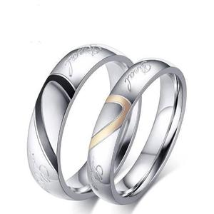 710960f0b7b8 Anillos de acero inoxidable y titanio pareja novios love