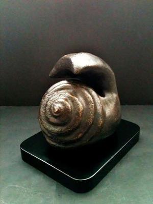 Adelaida Noriega. Escultura De Bronce. Caracol
