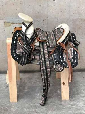 Montura charra o silla para caballo estilo militar