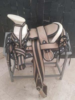 Montura charra o silla pra caballo cola de pato beige/negro