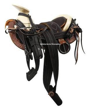 Montura charra o silla pra caballo cola negro/cafe