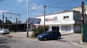 Local comercial en renta o venta en circuito interior carlos