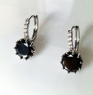 Aretes de platino y fino cristal austriaco negro c/brillante