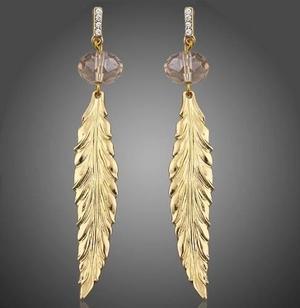 779a21621d1f Aretes largos pluma oro laminado y cristal calidad envío en México ...