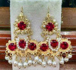 d0dcffc2cb59 Aretes tipo m oro laminado con piedra y perlas filigrana